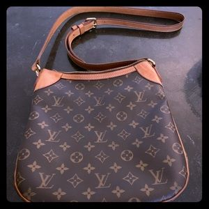 Authentic Louis Vuitton crossbody bag.